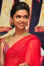 Deepika Padukone hot in saree