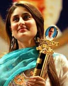 Kareena Kapur in award ceremony