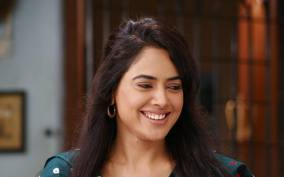 Sameera Reddy hot picture