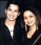 Shahid Kapoor with mom
