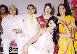 Shriya Saran family picture