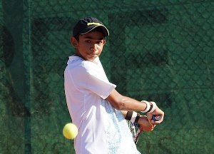 Top seed Somani advances at national tennis meet